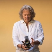 vincent flamion photographe avec son hasselblad