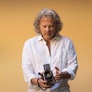 vincent flamion photographe avec son hasselblad