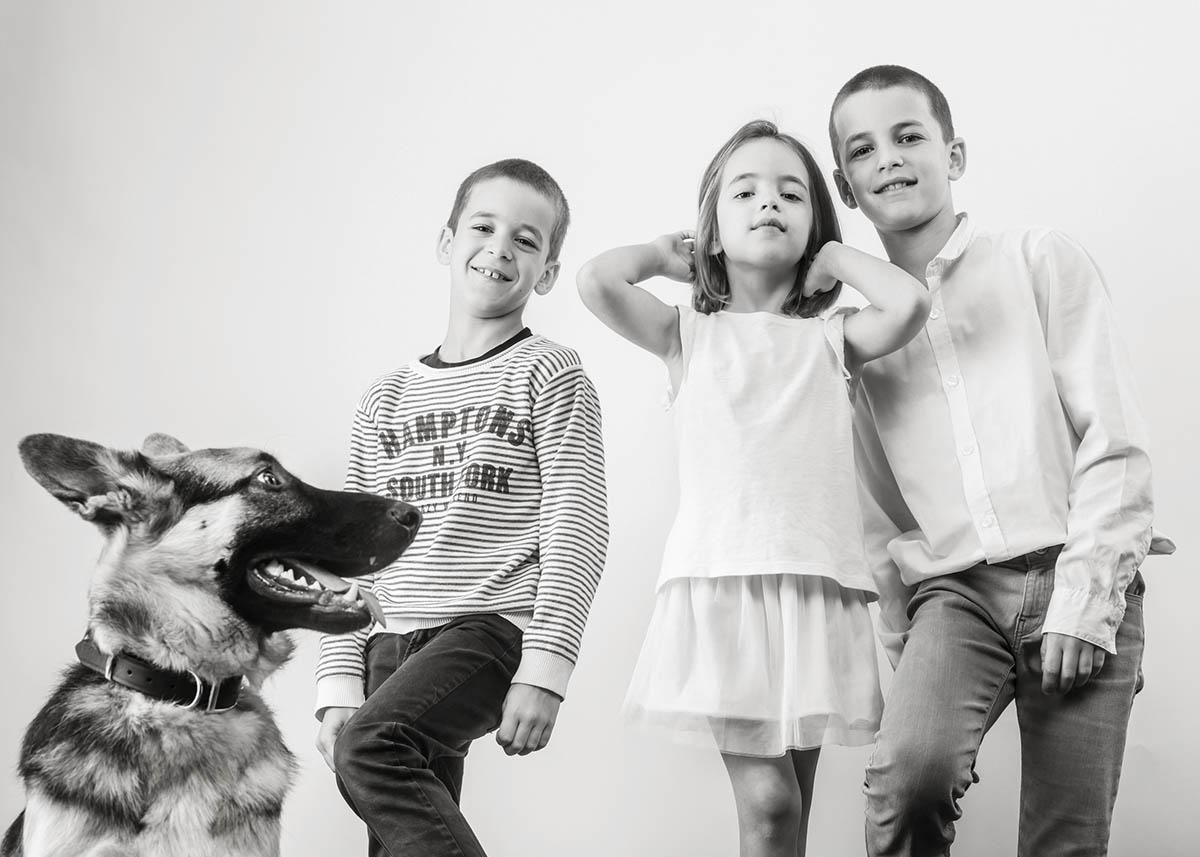 portrait de famille avec chien à luxembourg